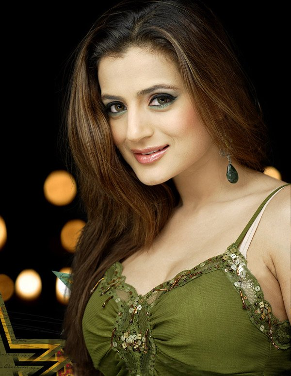 Amisha Patel gorgeous pic